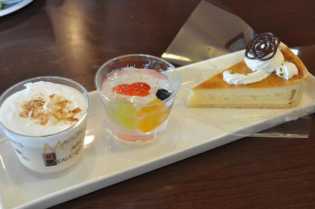 DSC_1858 私3皿目 コーヒームース、フルーツのジュレ、マダムの焼チーズケーキ479円