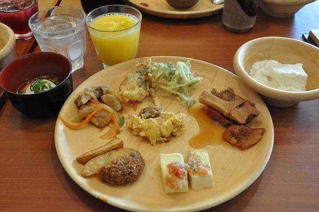 DSC_1642 温泉たまご、杏仁豆腐、旬野菜の天麩羅、てびち、他