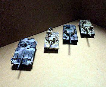 右からAMX30*2、シェリダン、Sタンク。