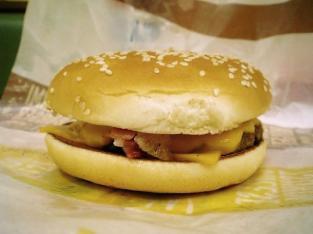 マクドナルド、チーズ月見バーガー004