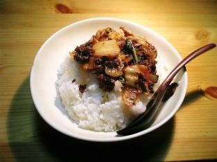 挽肉豚キムチ丼001