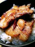 厚切り豚バラ肉のにんにくバター醤油焼き02