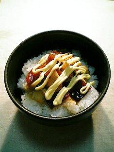 鮪のづけマヨガーリック丼01