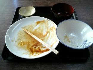 山田ホームレストランで本日の定食Aポークソテー003