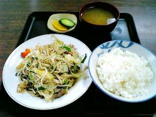 山田ホームレストラン 肉野菜炒め02