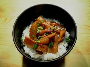 丹野メンマこんにゃく煮で丼04