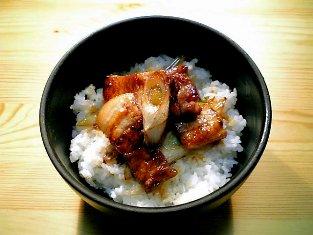 甘口葱豚テキ丼01