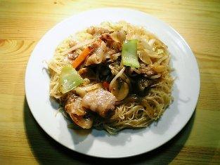 中華風肉野菜炒めビーフン02