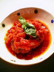 トマトソースで煮込んだ煮込みハンバーグ005