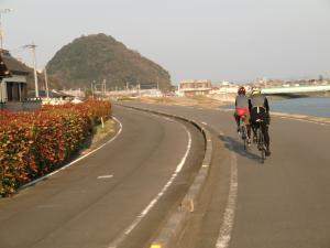 次は焼津港