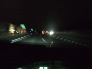 凍てつく東北の夜を切り裂くように走るA/Tソアラ