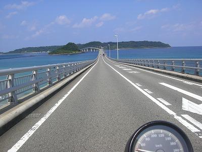 10:02角島大橋走行中