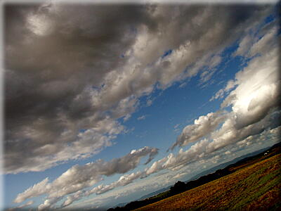 P909雲もオブジェ