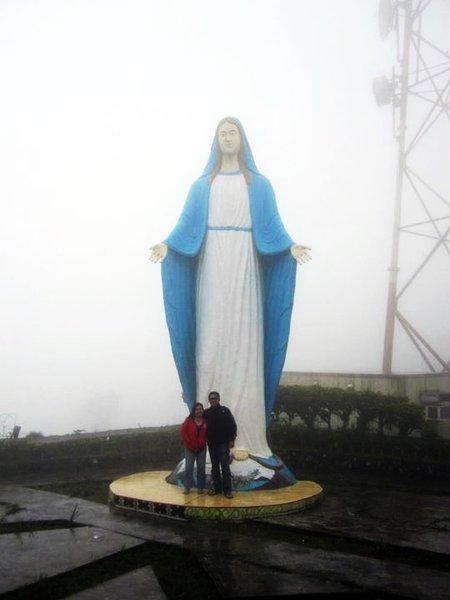 6069714-Giant_Statue_of_Virgin_Mary-0.jpg