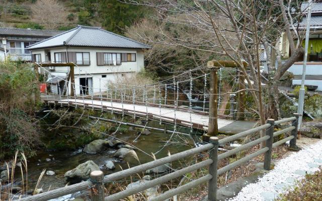 つりばし荘の吊橋08