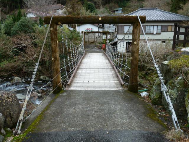 つりばし荘の吊橋05