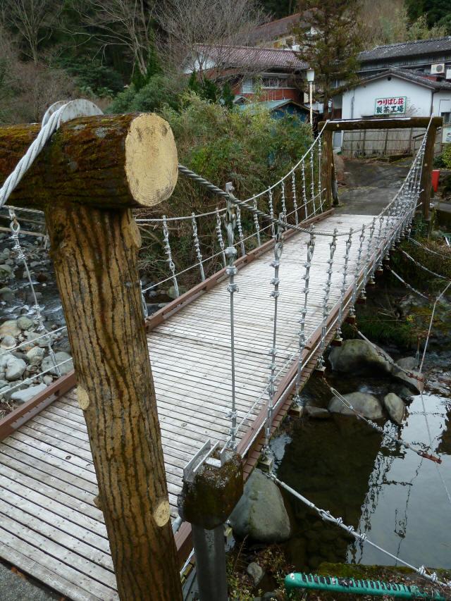 つりばし荘の吊橋02
