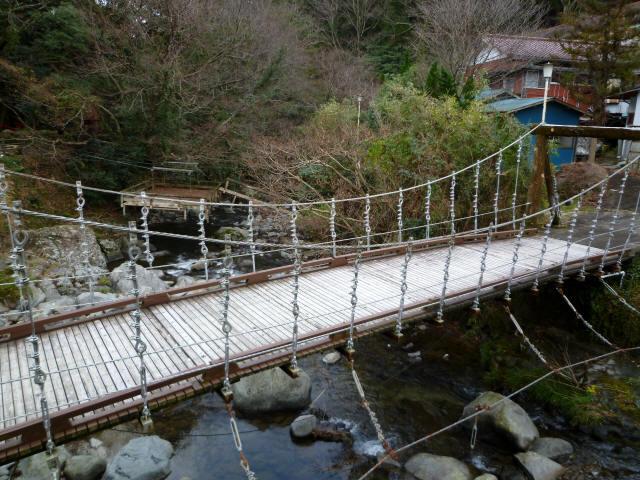 つりばし荘の吊橋01