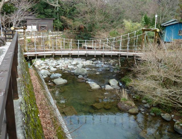 つりばし荘の吊橋06