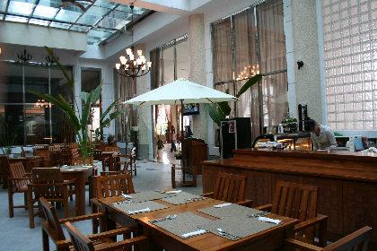 ホテルの食堂。