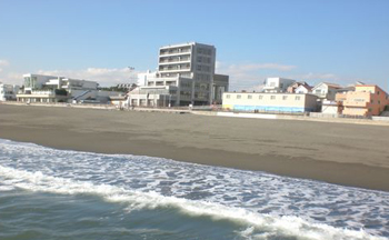 ビーチまで徒歩5分!!海の好きな方必見!!