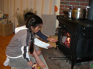 薪ストーブで食べる楽しみ