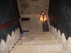 店内 階段
