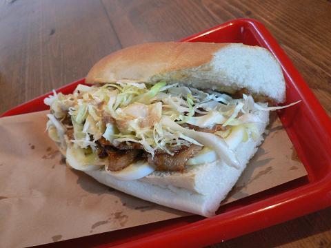 豚肉と玉子とチーズのサンドイッチ