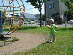 公園で遊ぶ甥っ子ちゃん。