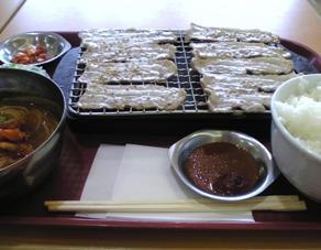 豚カルビ焼きと冷麺のセット
