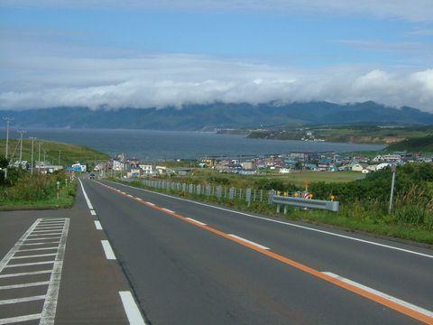 羽幌への道中。坂の上から見る景色が良かったので一枚。