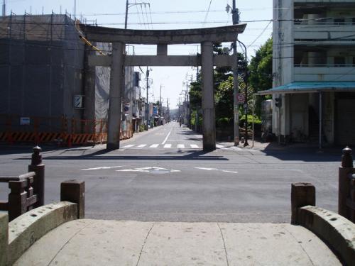 長谷通りを望む