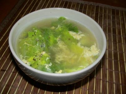 レタスと卵のスープ