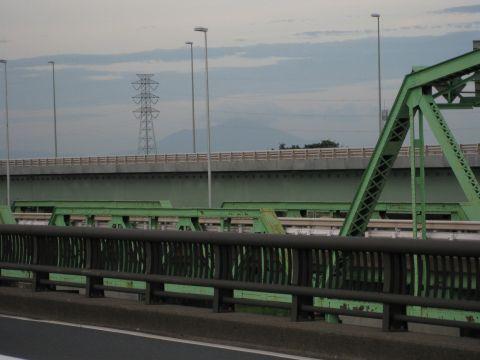 利根川橋から筑波山を望む
