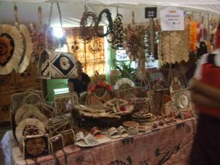 トンガの伝統的な手作り作品たち