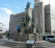 鹿児島 維新の志士像