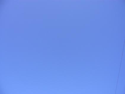 ヨンハブルーな空