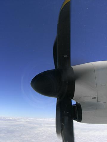プロペラ機01