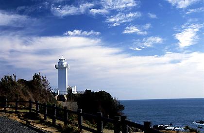 パールロード灯台01