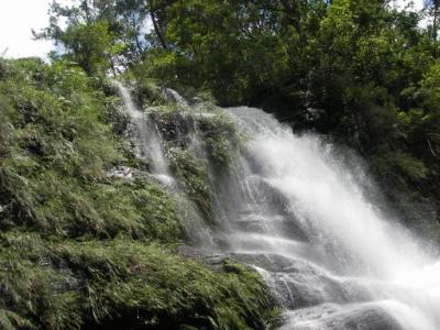 水量の多いナーラの滝