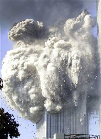 崩壊するWTC3