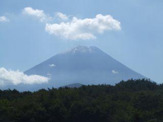 富士山初冠雪_320