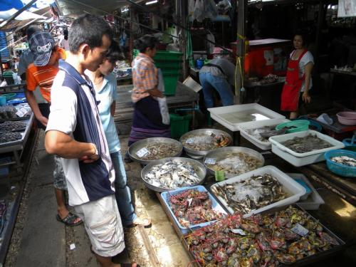 maeklong 市場1