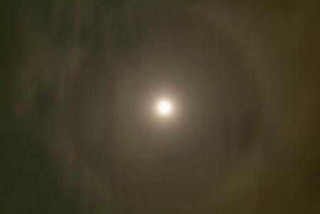 10月4日の月暈
