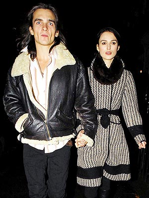 keira_knightleyengaged.jpeg
