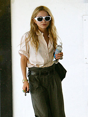mary-kate_olsen2businessstyle.jpeg
