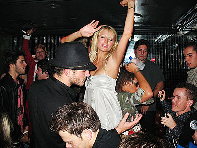 paris_hilton_400x30026bday.jpeg