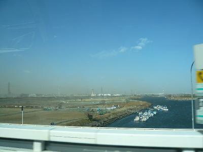 砂埃で富士山が見えない