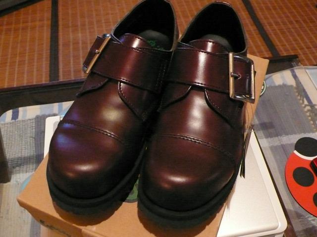 この手の靴は久しぶりです。。