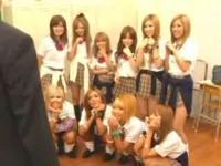 ギャル女子校生たちのエロまみれなハチャメチャ学園生活!